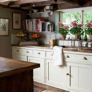 Kitchen Cabinets With Open Shelves by Best 10 Country Cottage Kitchens Ideas On Pinterest