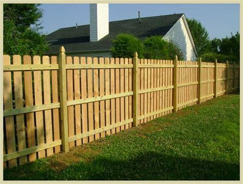 palizzate in legno per giardino recinzioni per giardino consigli giardino come