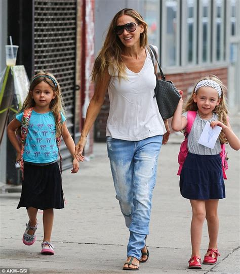 sarah jessica parker with her daughter sarah jessica parker takes twin daughters marion and