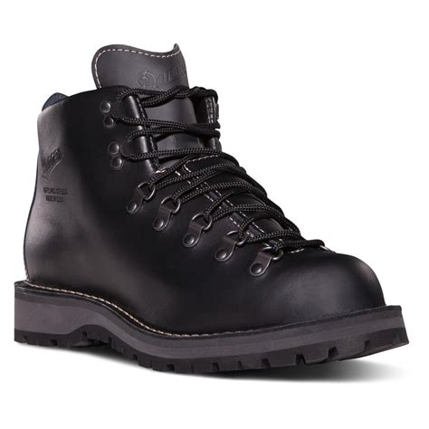 danner mountain light vs mountain light ii men s danner mountain light ii tacticalgear com