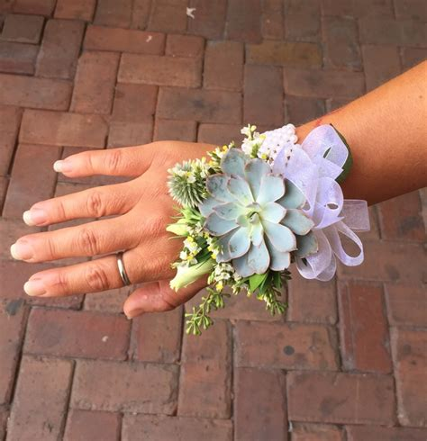 whats corsage style for 2015 prom corsage trends prom season floral trends 64 best