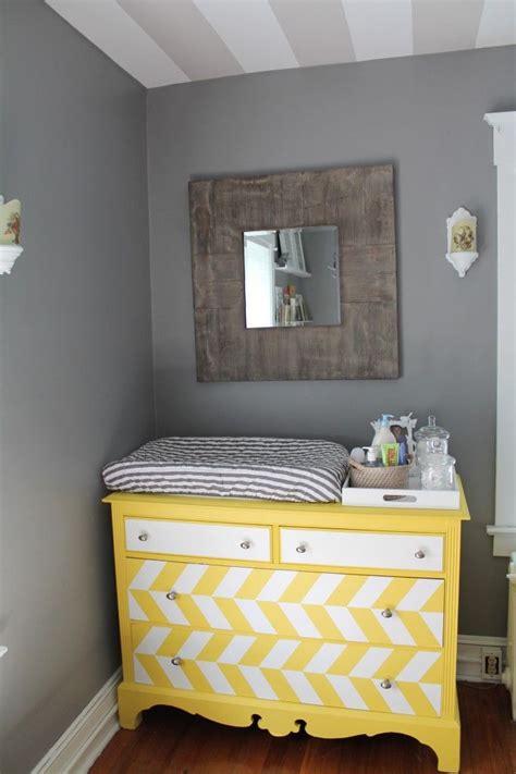 pinterest pictures of yellow end tables with gray guia do quarto do beb 234 a c 244 moda perfeita