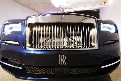 plated rolls royce indian buys 9 million dubai license plate for rolls royce
