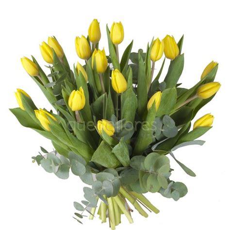 ramo de rosas rojas regalo perfecto para mama este 10 de mayo how to make a bouquet of red roses flores el regalo perfecto para mam 225