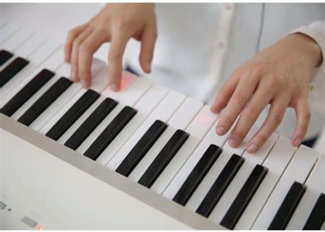 aprende a tocar piano con piano profesor descargar aprende a tocar el piano con este teclado y un ipad