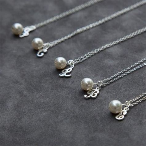unique personalized bridesmaid jewelry gifts bridesmaid gift jewelry set of 8 eight pearl initial