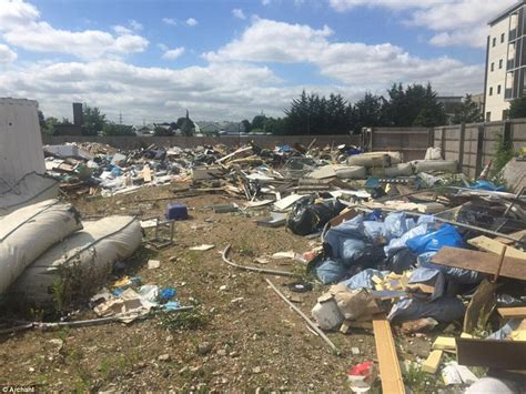 The Dump Sofas Mountain Of Rubbish Left Behind By Travellers In Essex