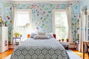 interior fabrics and wallpaper with floral pattern great ideas for your home decor10