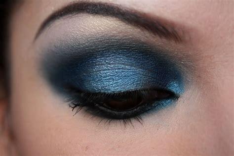Eyeshadow Blue make up artist me midnight blue smokey eye