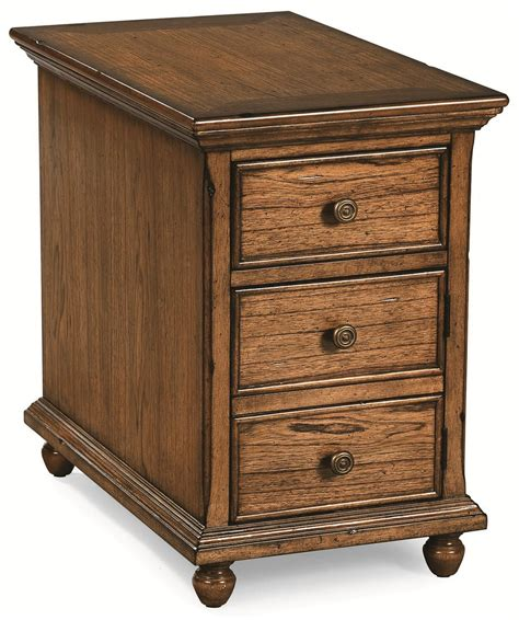 Peters Revington Briarwood Chairside Cabinet With 3