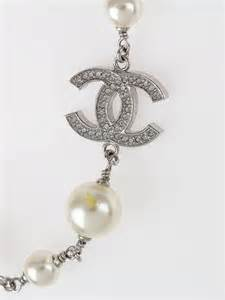 chanel faux pearl and cc necklace yoogi s