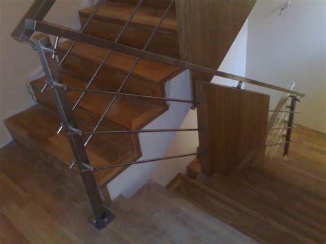 ringhiera scala interna acciaio ringhiera in acciaio con pannelli in legno per scala interna