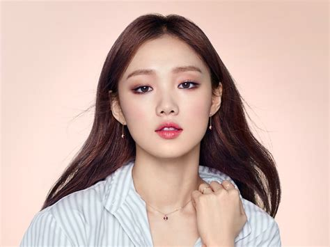 asian actress died 2017 lee sung kyung reveals the toll that being a rising star