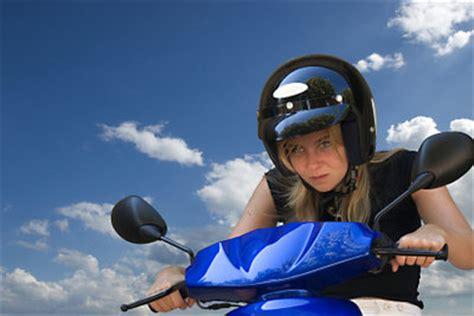 Welchen Motorradhelm Kaufen by Helm F 252 R Einen Roller Kaufen So Entscheiden Sie Sich F 252 R