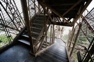 eiffelturm treppen eiffel tower thinglink