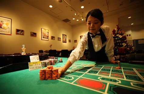 5 confessions about working in a casino as a dealer