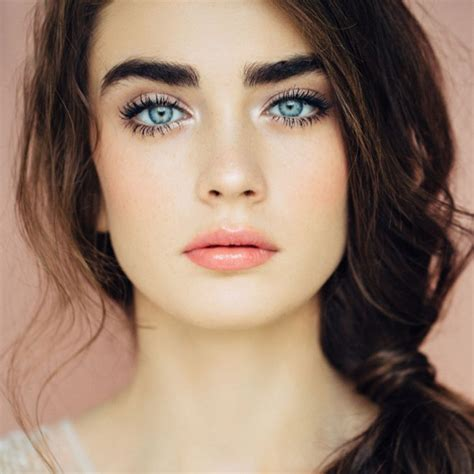 imagenes ojos azules maquillaje para ojos azules enfatiza tu mirada foto