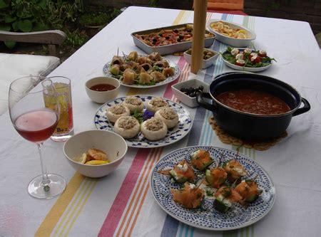 ricette apericena a casa l happy hour a casa ricette facili e veloci tomato