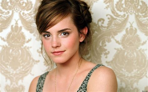 biography of emma watson in hindi emma watson wishes her indian fans a happy holi you i