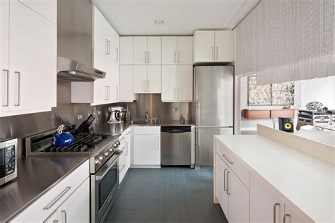 new york city appartment kitchen stylish apartment in new york city
