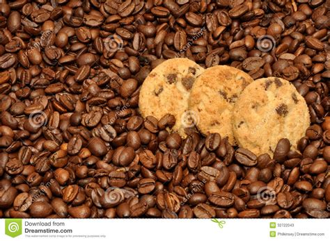 Cookies Di Coffee Bean chocolate chip cookies and coffee beans stock photos image 32722043