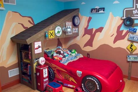 lightning mcqueen bedroom radiator springs bedroom design room ideas boys lightning mcqueen of