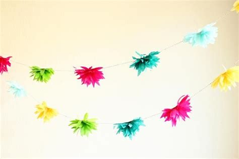 tissue paper flower garland tutorial diy tutorial diy crepe paper flowers diy tissue flower
