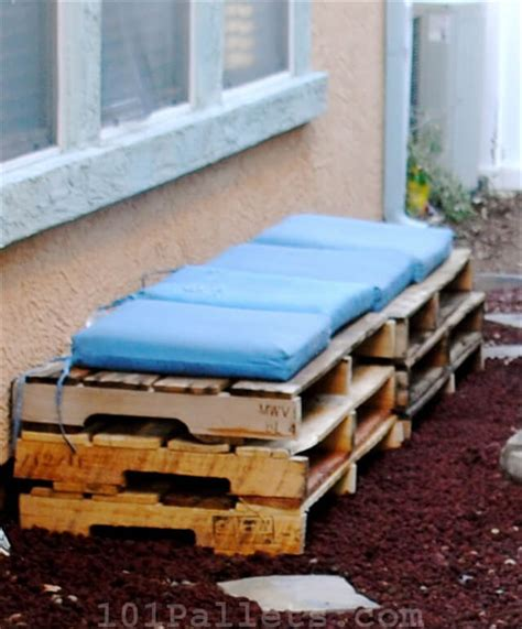 how to make a pallet bench diy tutorials how to make a pallet bench 101 pallets