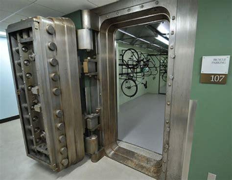 bike vault for bicyclists who really take bike theft