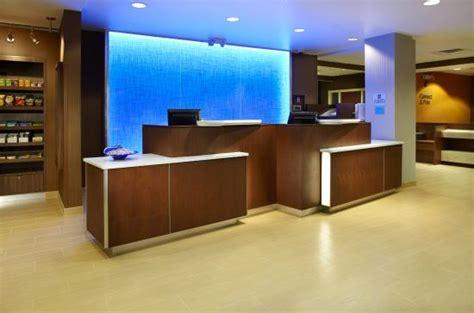 fairfield inn entrance picture of fairfield inn suites