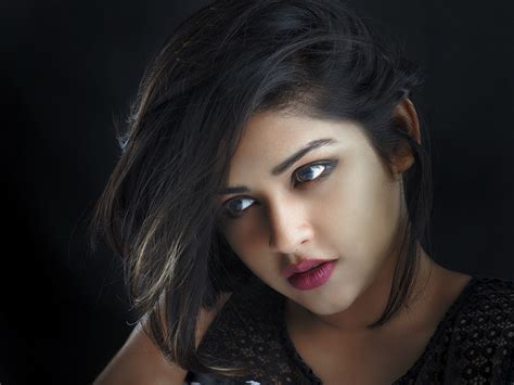 Beautiful Indian girl wonderful face very nice wallpapers