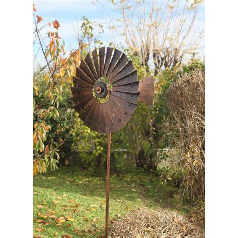votre eolienne d 233 corative de jardin solaire chez jardin et