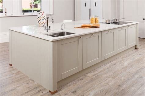 how to clean oak kitchen cabinets how to clean solid oak kitchen cabinets solid wood