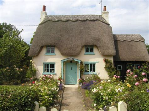 cottage uk best 25 cottages ideas on cottage fairytale