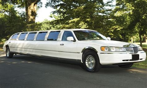 deals on limo service limousine services time 2go limo groupon