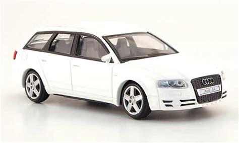 Audi A4 Avant Modellauto by Audi A4 Avant Weiss Mondo Motors Modellauto 1 43 Kaufen