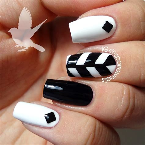 nail design instagram videos sparrownails 31dc2013 day 7 black white