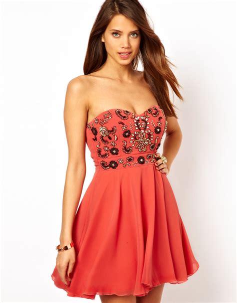 abiye elbise modelleri fiyatlar mini abiye elbise modelleri mini abiye modelleri bakımlı kadın