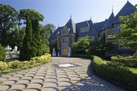 great neck house gatsby like long island mansion for sale for 100 million