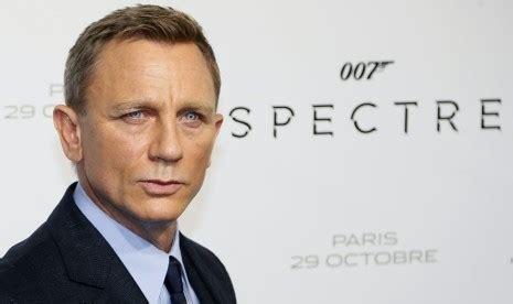 seri film james bond daniel craig daniel craig kembali perankan 007 uzone