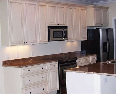 Kitchen Cabinets Off White Glazed Craftsmen Network White Kitchen Cabinets With Glaze