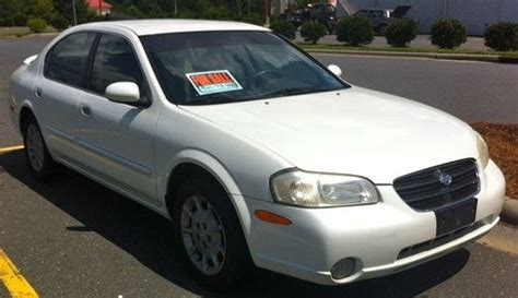 white nissan maxima 2000 find used nissan maxima 2000 white 4 door v6 great