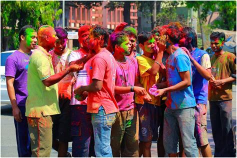 holi special girl image ultimate ways to an ideal 2014 holi festival in delhi