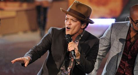 born bruno mars bruno mars explains why he dropped his puerto rican father