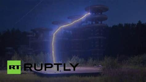 la torre tesla 8469745352 la legendaria torre de tesla es puesta a prueba cerca de mosc 250 youtube