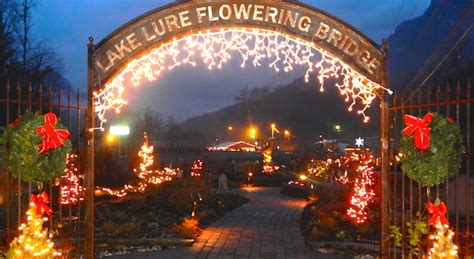christmas light shows in nc holiday events in lake lure and chimney rock fun through