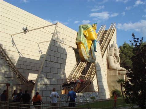 theme park zaragoza parque de atracciones de zaragoza ramses