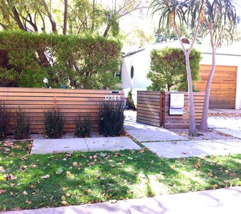 Design For Front Yard Fencing Ideas Horizontal Wooden Fences The Horizontal Wood Fence Ideas For My Cinderblock Hou
