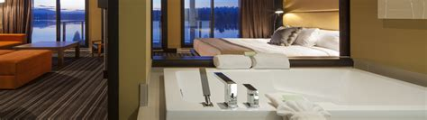 tbe room esterel resort spa laurentians lake view suite room 2 package with breakfast
