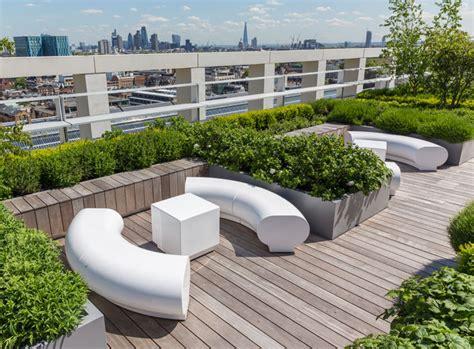 Garden Of Headquarters Modern Seating For Prestigious Office Roof Top Garden 2